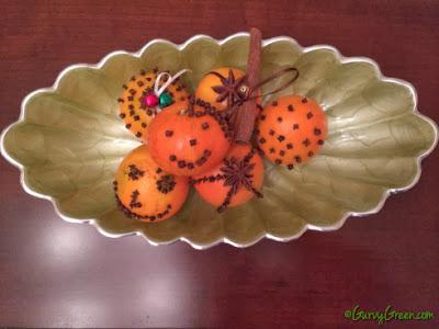 http://gurvygreen.com/2013/11/19/easy-to-make-orange-clove-pomanders/