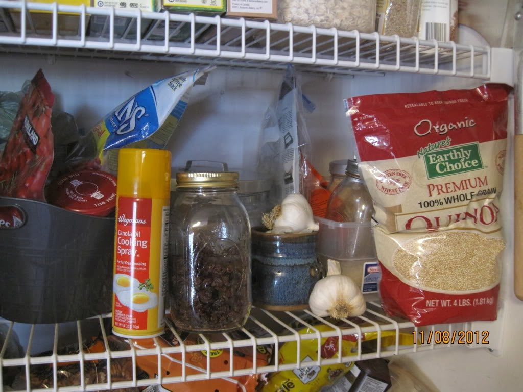 http://mysisterspantry.wordpress.com/2012/11/08/peeping-in-our-pantries/