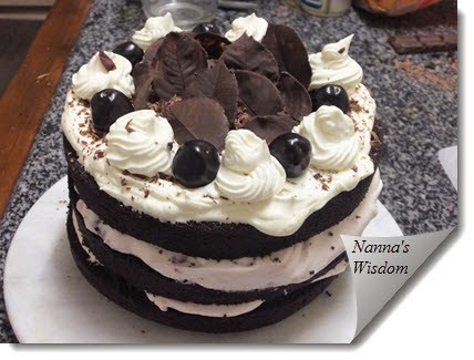 http://nannaswisdom.com/need-a-fancy-cake-in-a-hurry/