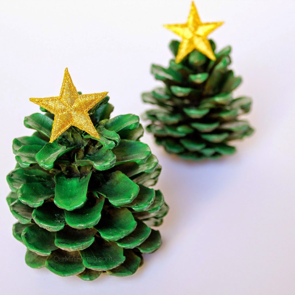 http://www.ourminifamily.com/2014/11/pinecone-christmas-trees.html